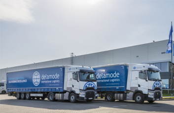 Delamode lorry delivering goods